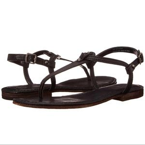 Frye Carson t-strap leather sandals